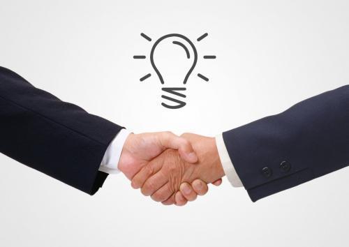 インサイドセールス(内勤営業として外勤営業とマーケ担当者とのハブになり見込み客の成約率向上を目指していきます)