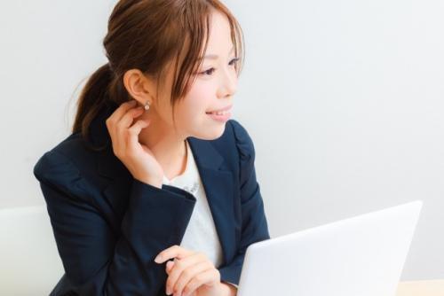 オンライン研修サービスの企画提案営業 男女とも育児休業取得率100% 「IT×教育」で伸びる企業の将来のリーダー候補