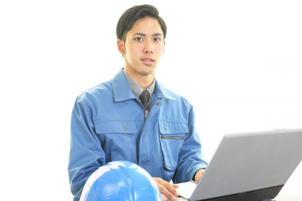 年間休日125日で残業少なめ 月給最大70万円 幅広い年齢層が活躍